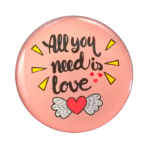 Hűtőmágnes All you need is love felirattal rózsaszín