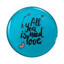 Hűtőmágnes All you need is love felirattal kék