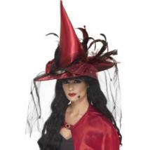 Boszorkány kalap fátyollal és tollakkal vörös színben