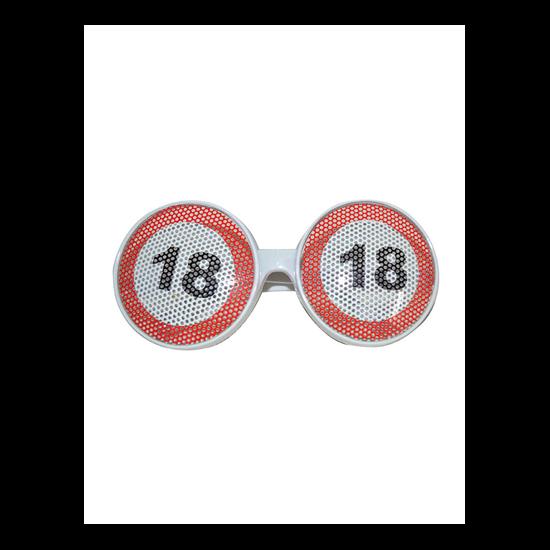 Behajtani tilos szemüveg 18. születésnapra